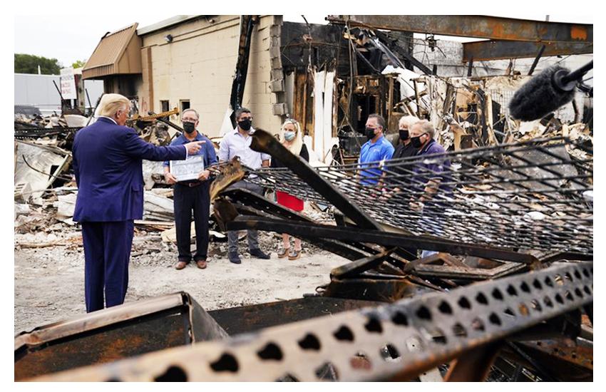 Los Angeles: afroamericano ucciso dalla polizia. Trump a Kenosha: 'C'è una guerra contro le forze dell'ordine'