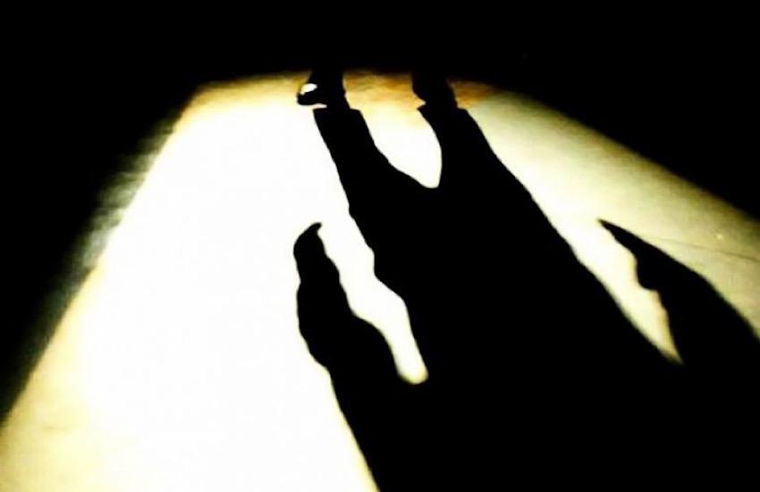Con il buio torna la paura: due stranieri rapinano un italiano in pieno centro a Parma