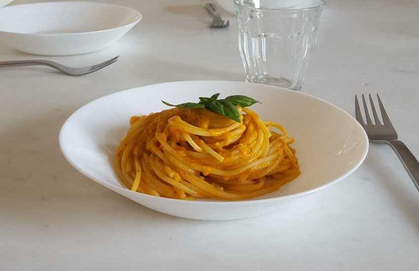 Spaghettini in salsa di pomodoro a crudo