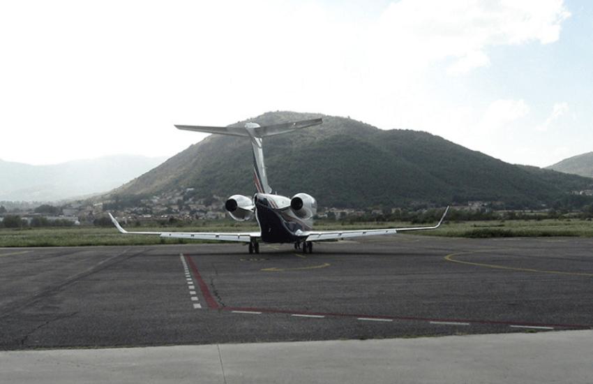 Aeroporto dei Parchi: oggi il via al passaggio di consegne al nuovo gestore