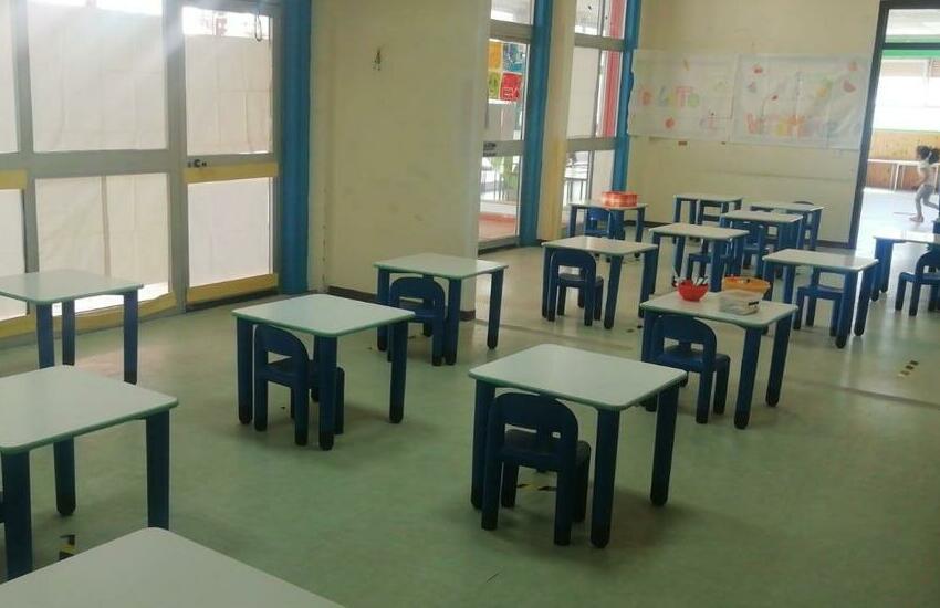 Gravina di Catania, consegnati arredi e banchi nuovi alla scuola dell'infanzia