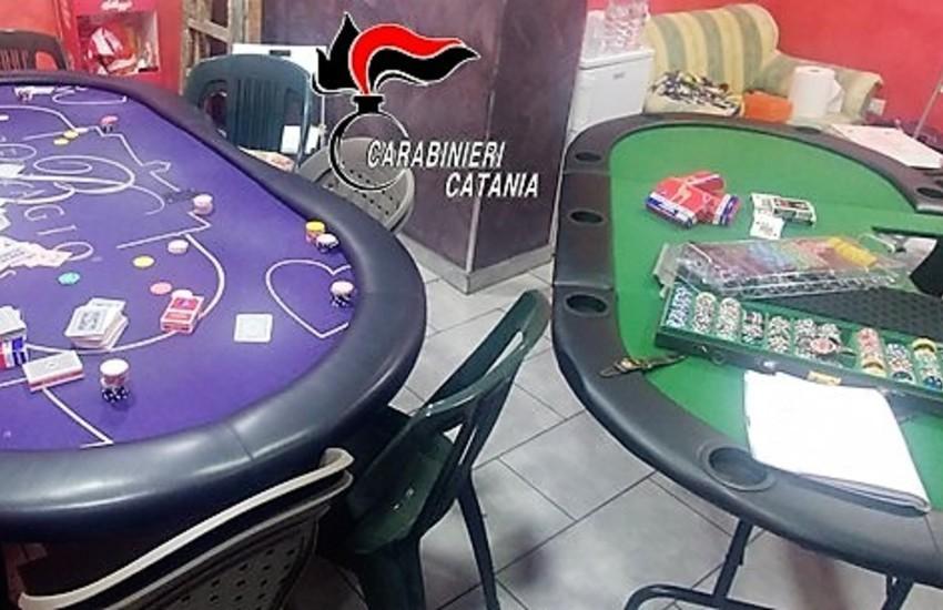 Biancavilla, barbiere organizza bisca clandestina nei giorni di chiusura, 18 persone denunciate per gioco d'azzardo