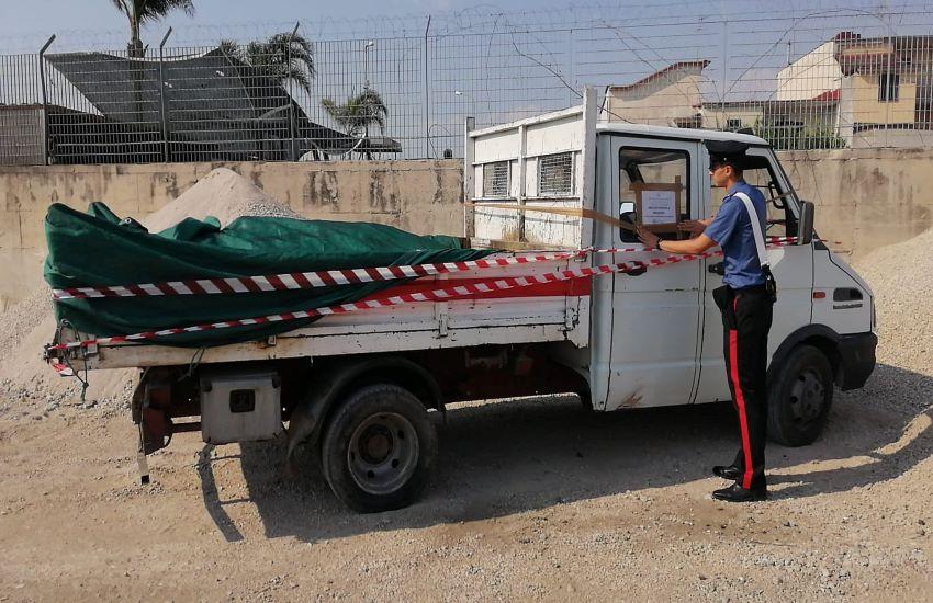 Sicurezza ambientale. Carabinieri sequestrano 2 mezzi e denunciano 1 uomo