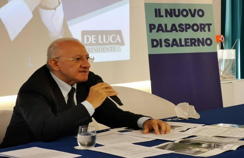 De Luca indagato, la risposta del Governatore sui social