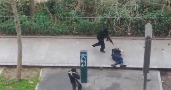 Torna il terrore a Parigi. Due accoltellati accanto la vecchie sede del Charlie Hebdo. Arrestati due sospetti