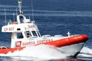 Calabria, doppio intervento della Guardia Costiera evita il peggio in mare aperto