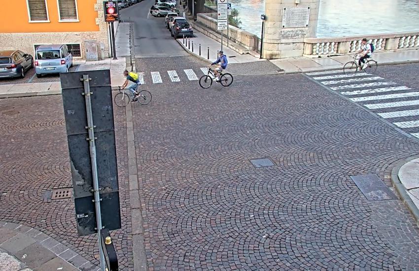 Primo giorno di scuola a Verona, aumentati gli spostamenti in bici e a piedi