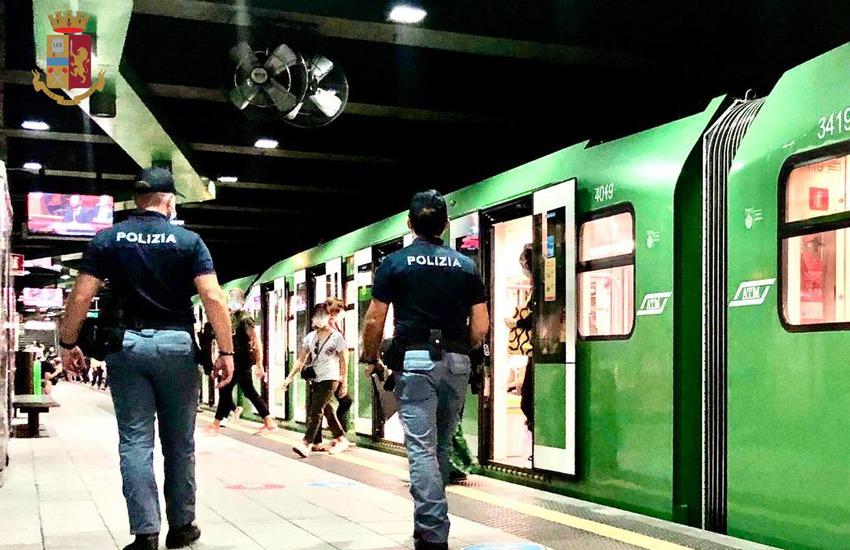 Milano, controlli nelle metropolitane, la Polizia arresta due persone