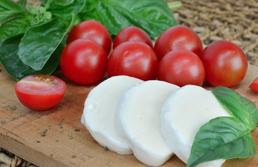 La mozzarella di bufala Campana Dop al Salone del Camper a Parma fino al 20