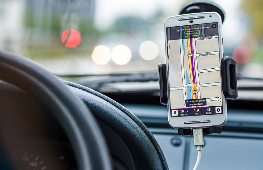 """""""Focus on The Road"""" (Concentrarsi sulla strada): corretto utilizzo alla guida dei telefoni cellulari"""