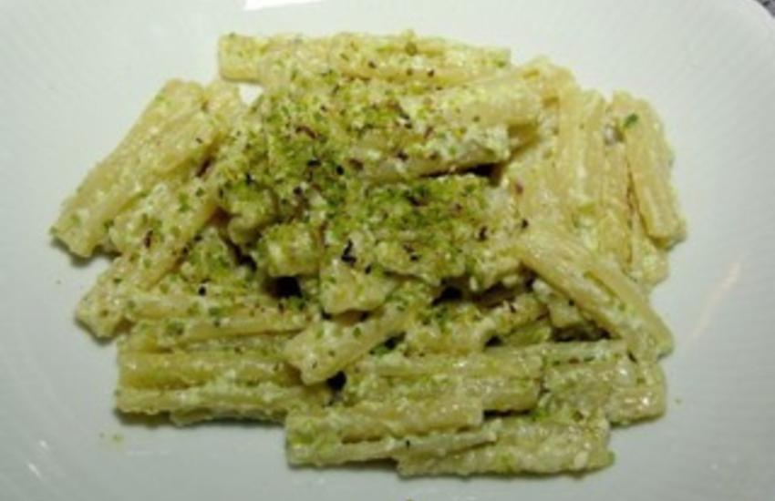 Ricette regionali, la pasta con ricotta e pistacchi