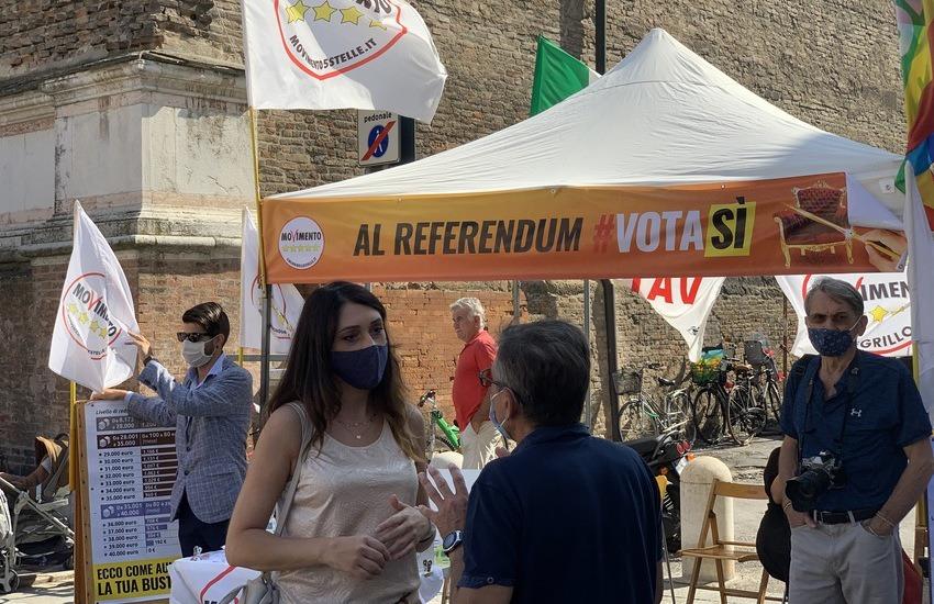 Referendum: il Movimento 5 Stelle invade oltre 30 piazze dell'Emilia-Romagna