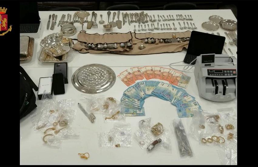 Controlli amministrativi nei compro-oro della capitale. Sequestrati 60 kg. di oro e d'argento