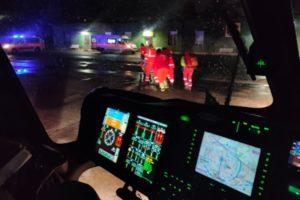 Ponza, donna in pericolo, l'elicottero dell'aeronautica sfida la bufera per effettuare il trasporto a terra