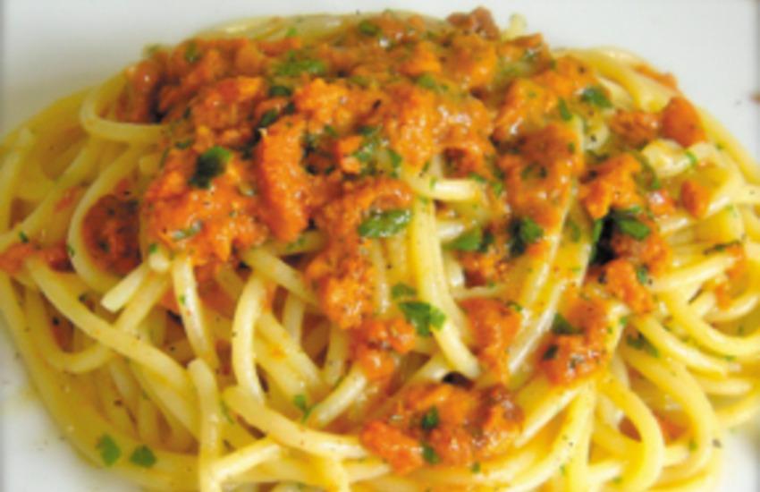 Ricette tipiche siciliane. Spaghetti ai ricci di mare