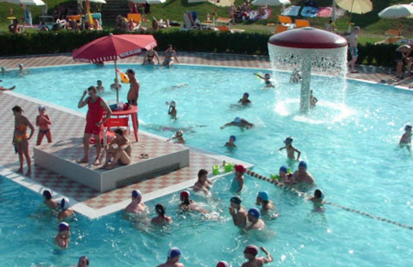 Este, le piscine in concessione a Nuova Sportiva per 25 anni: 1.6 milioni di euro come investimento per rilanciare lo sport