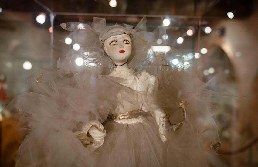 Alla scoperta del  Museo Artistico della Bambola di Suvereto