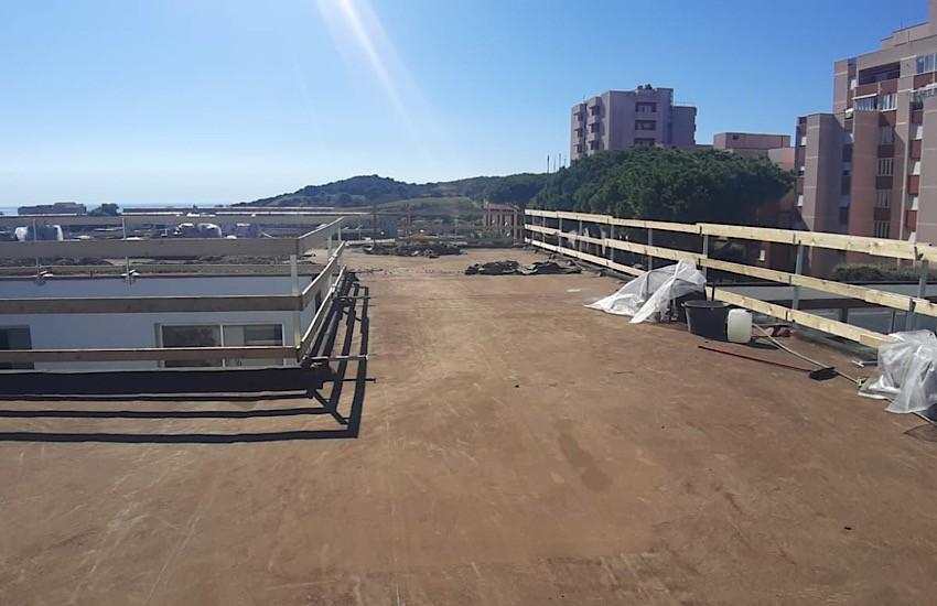 In corso i lavori sul tetto della scuola di via Togliatti