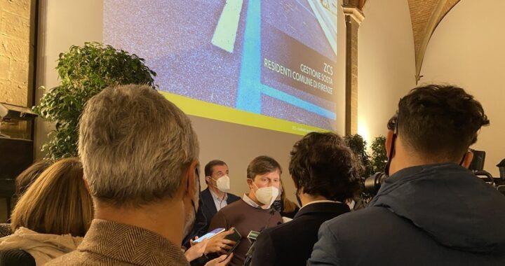 Zcs, parcheggi gratis nelle strisce blu per i residenti del Comune di Firenze.