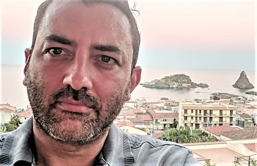 """Una vita tra Parigi e Catania perché """"i luoghi della vita li scegliamo sempre da adulti"""""""
