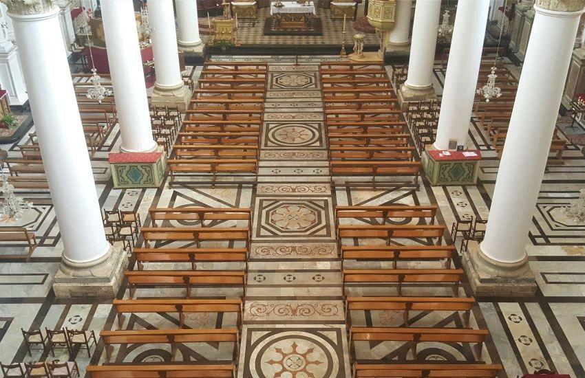 Vie, chiese, teatri, spiagge, cripte e pozzi nella Sicilia dei Luoghi del cuore