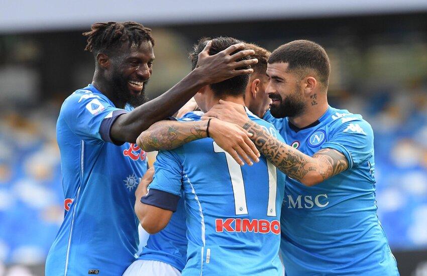 Napoli-Atalanta 4-1, un uragano azzurro spazza via la Dea. Lozano sugli scudi