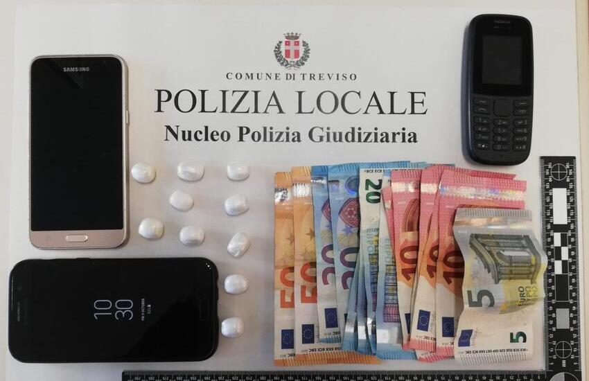 ARRESTATO SPACCIATORE IN ZONA FIERA