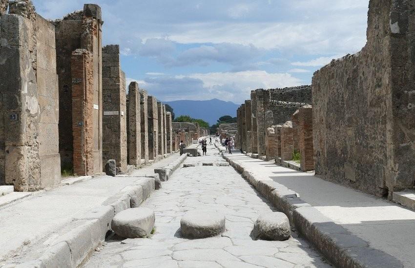 """Ladri """"pentiti"""" e superstiziosi restituiscono reperti rubati a Pompei: """"Portano sfortuna"""""""