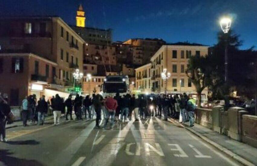 Protesta-decreto-conte-ventimiglia