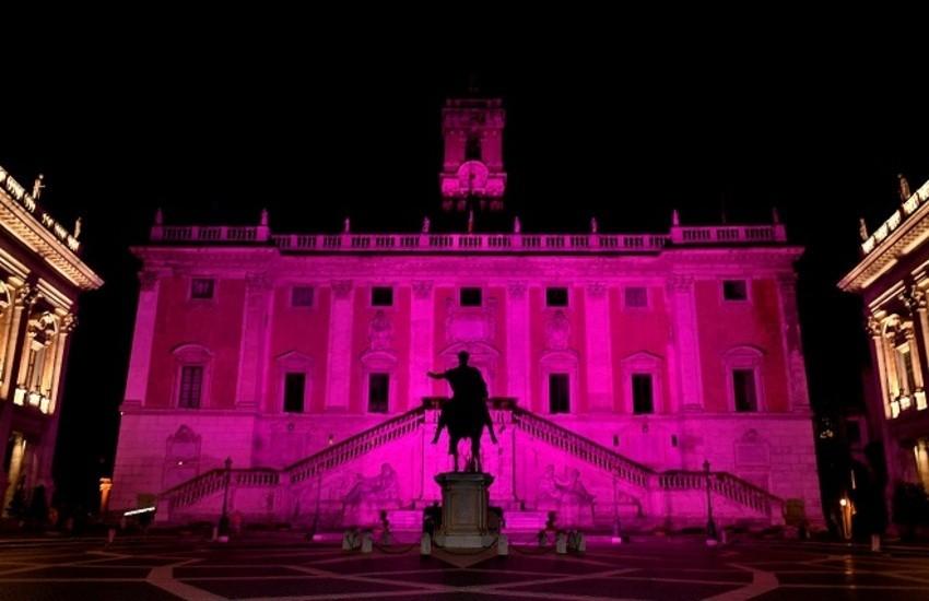 Roma, Palazzo Senatorio si illumina di rosa