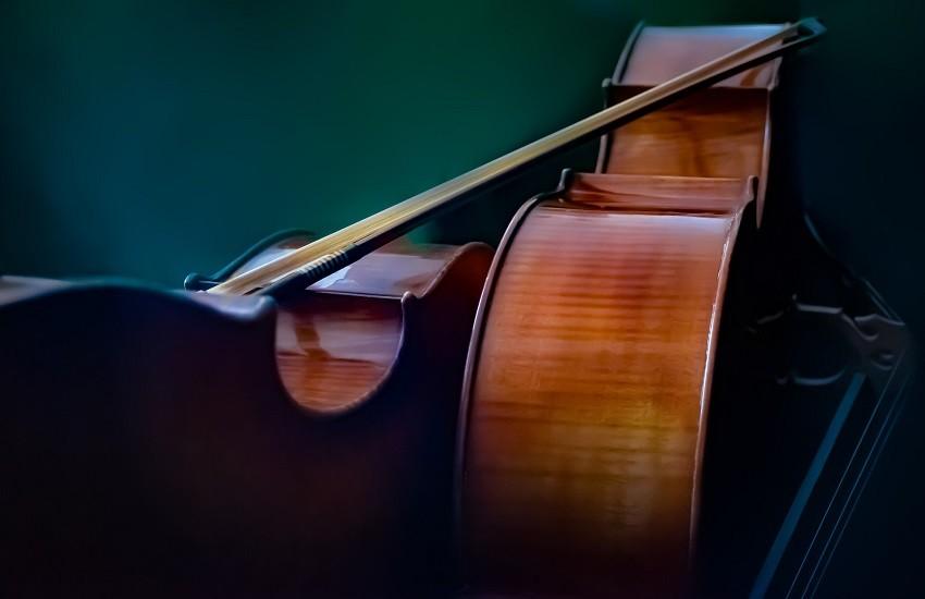 Brunello suona Bach per L'Aquila: appuntamento tra pochi minuti