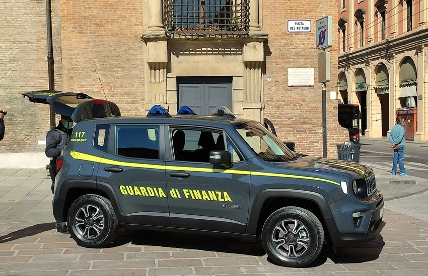 Contrabbando di gasolio agricolo tra Lecce e Roma. 11 arresti e 64 indagati