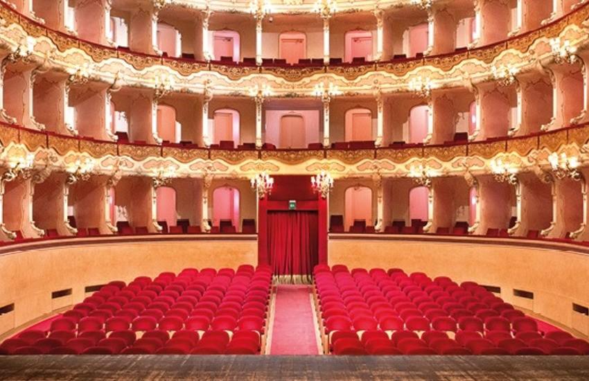 Pace fatta tra Teatro Stabile del Veneto e Teatro Stabile di Verona