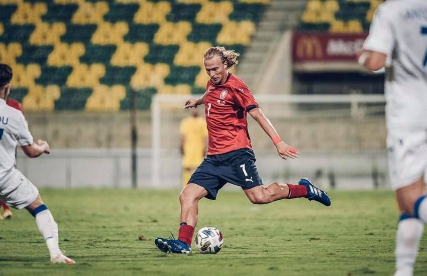 Hellas Verona: il centrocampista Barák positivo al coronavirus