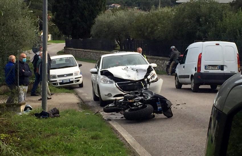 Sezze, pauroso incidente in via Bassiano; motociclista elitrasportato al Goretti