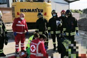 Padova, grave incidente sul lavoro a Montà: morto un operaio e grave un altro
