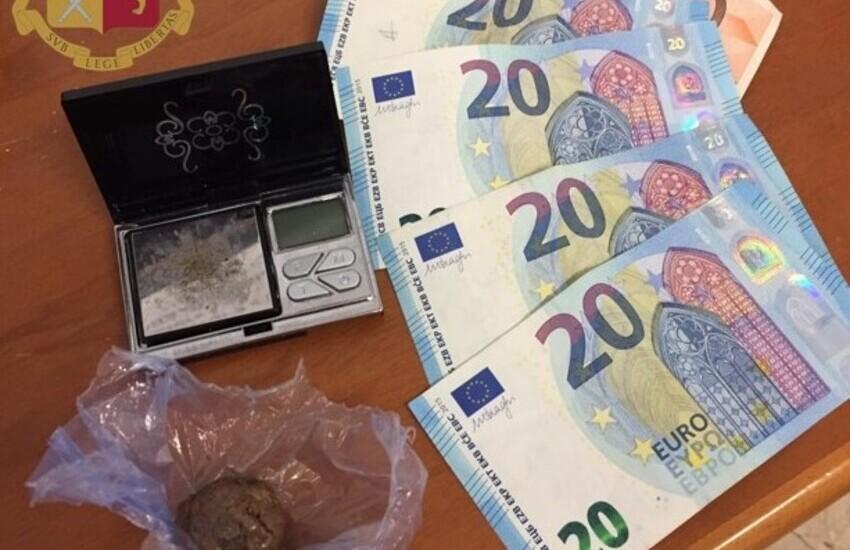 Milano, spaccia eroina con metadone, la Polizia arresta 44enne