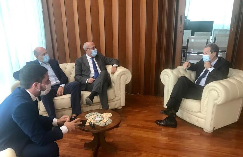 Rifiuti, tre sindaci del Siracusano incontrano il presidente Musumeci