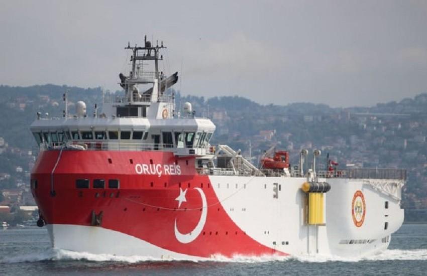 La Turchia invia di nuovo le navi per il gas. Venti di guerra con la Grecia