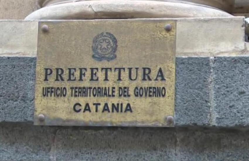 Catania, manifestazione contro le restrizioni anti-Covid: imprenditori e cittadini in via Etnea