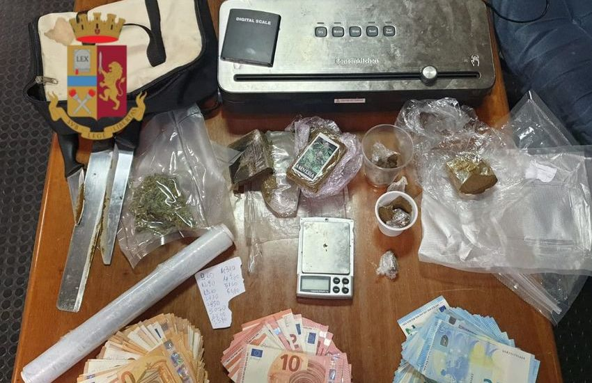 Roma, 9 persone arrestate, sequestrata cocaina, hashish, marijuana, ecstasy e 8050 euro in contanti