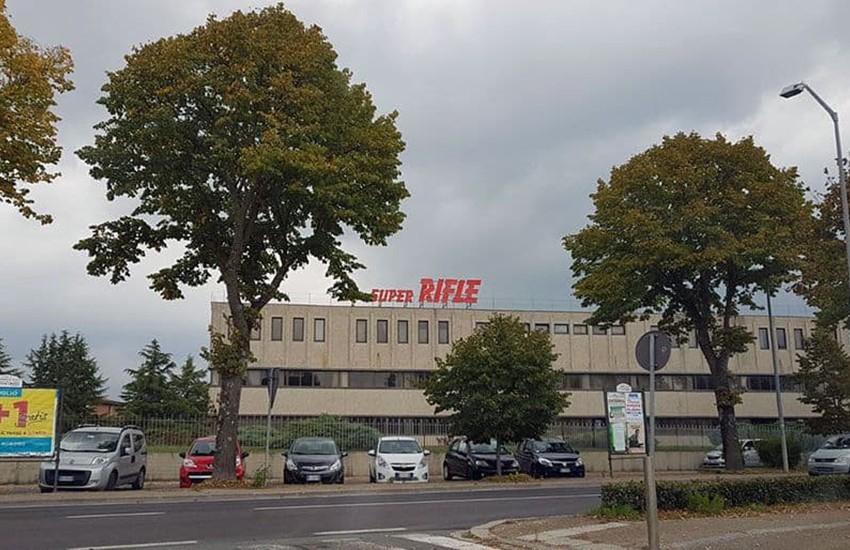 Addio Rifle, dichiarato il fallimento del marchio con 62 anni di storia e 96 dipendenti