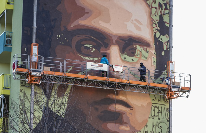 Gramsci sui muri di Firenze, 2 anni dopo Mandela, Jorit dipinge un nuovo murales