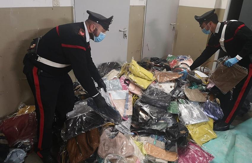 Scoperto deposito di refurtiva in un campo rom, 10 persone denunciate