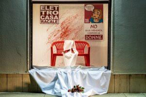 Giornata mondiale contro la Violenza sulle donne, installazione artistica a Racale