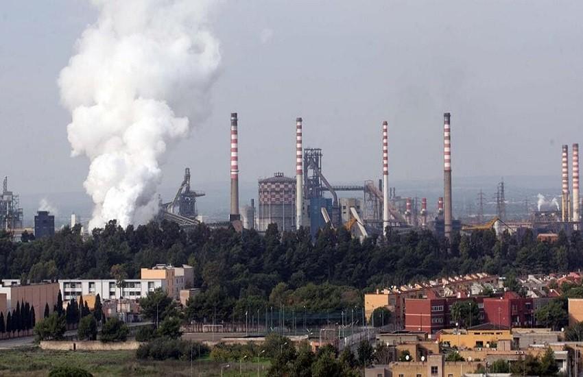 Ilva, oggi accordo Invitalia-Arcelor. Ma i sindacati sono critici