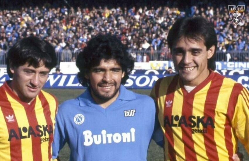 """Il Lecce omaggia Maradona: """"Diego per sempre nella storia"""""""