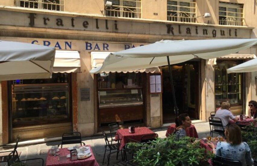 Klainguti, la storica pasticceria di Genova amata anche da Verdi: un pezzo di storia che se ne va