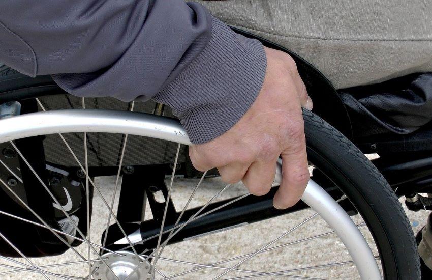 Vittoria, riprendono la morte di un disabile e diffondono video: denunciati