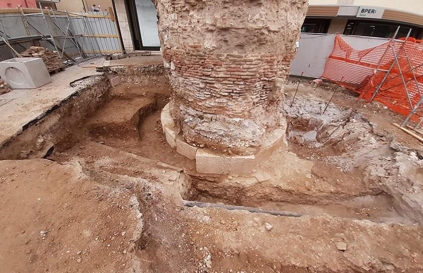 Restauro del Torrione: affiorano tesori dell'archeologia